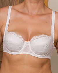 Bra for cup D-F
