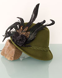 """Rosalie"" hat + feather olive"