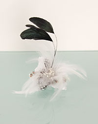 Feather clip white