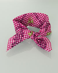 """Hirsch"" neckerchief vines pink"